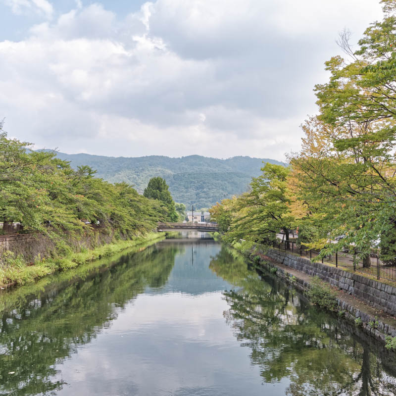 Autumn colors at the Okazaki Canal